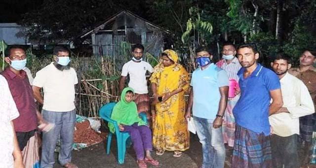 কেশবপুরে পথহারা শিশু শিক্ষার্থীকে বাড়ি পৌঁছে দিলো প্রশাসন