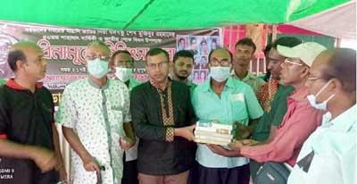 পাইকগাছার দেলুটি ইউনিয়নে বিনামূল্যে চিকিৎসা সেবা