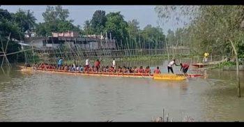 সিরাজগঞ্জের ভাঙ্গুরায় নৌকা বাইচ প্রতিযোগীতা